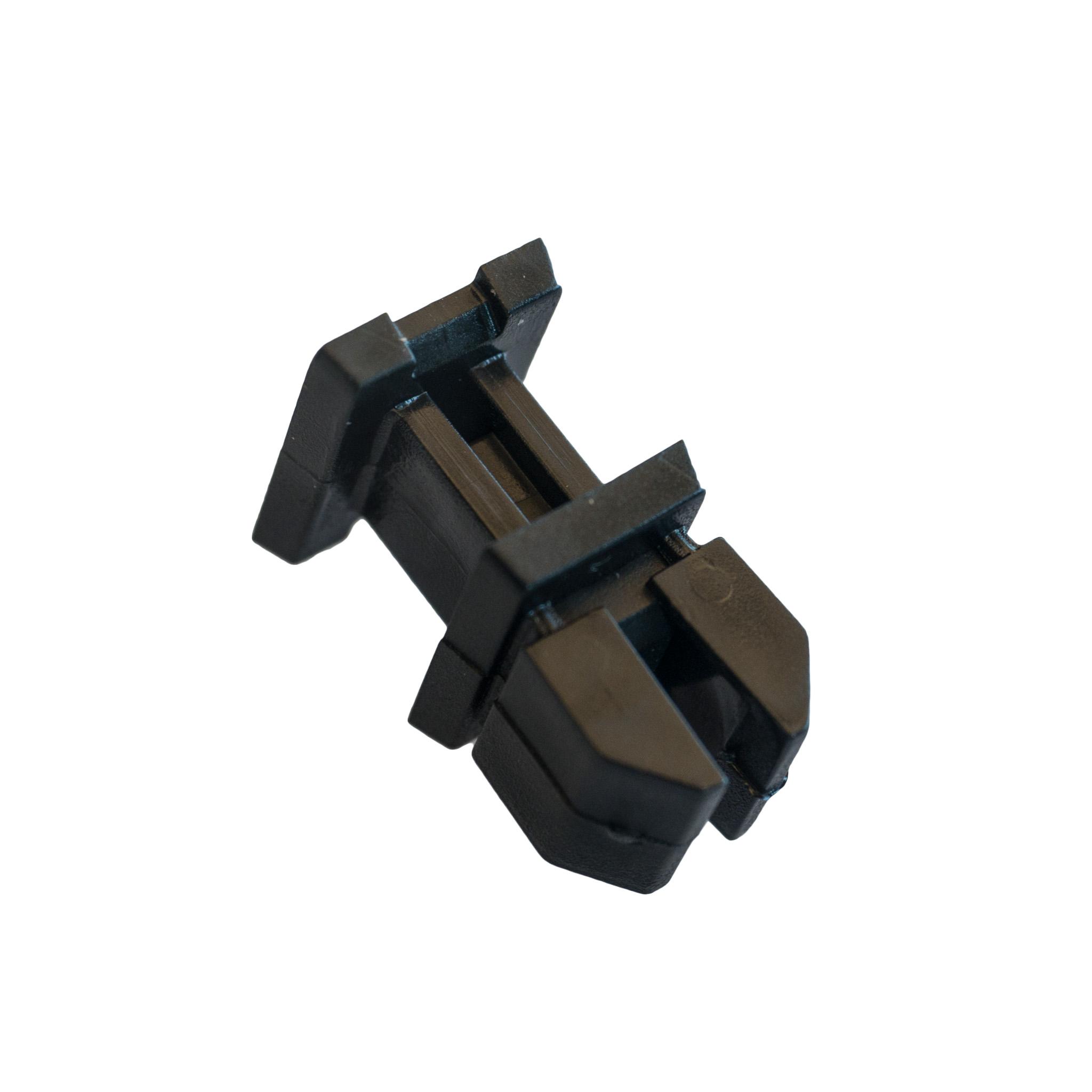шпилька штифт обивки багажник mercedes w124 w220