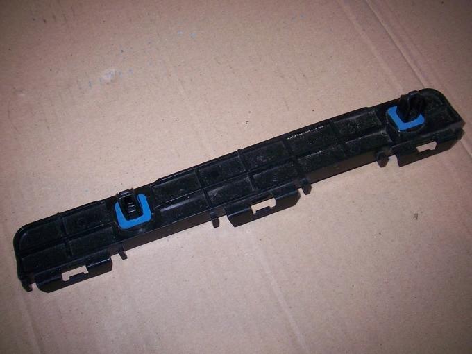 Башмак бампера lexus is250c '09-15 сзади правый x