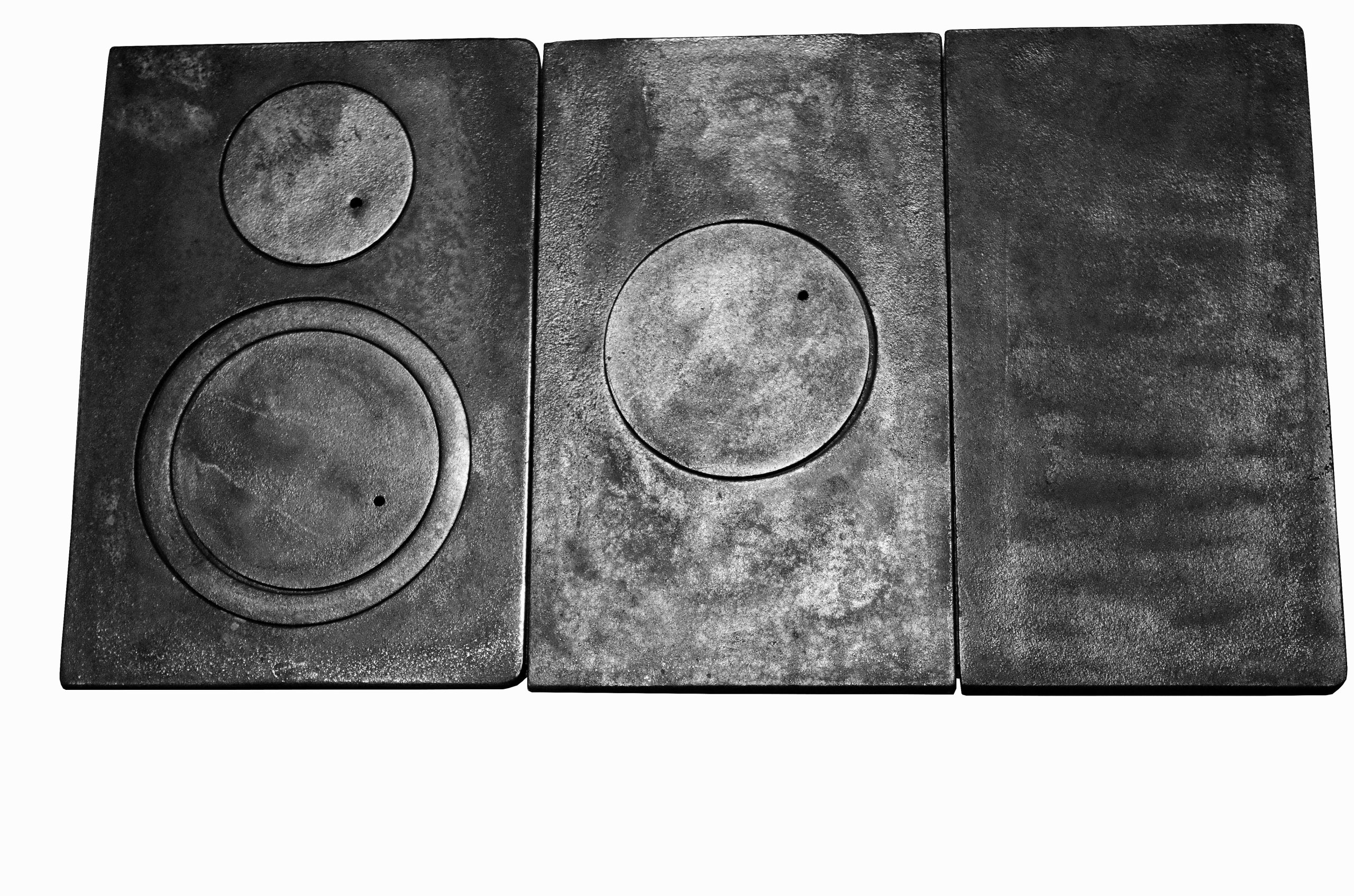 Liatinový dvojdierkový kuchynský gril na sporák