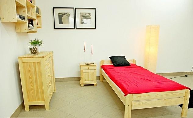 Szafka nocna sosnowa drewniana z szufladą 42x40x30 Głębokość mebla 30 cm