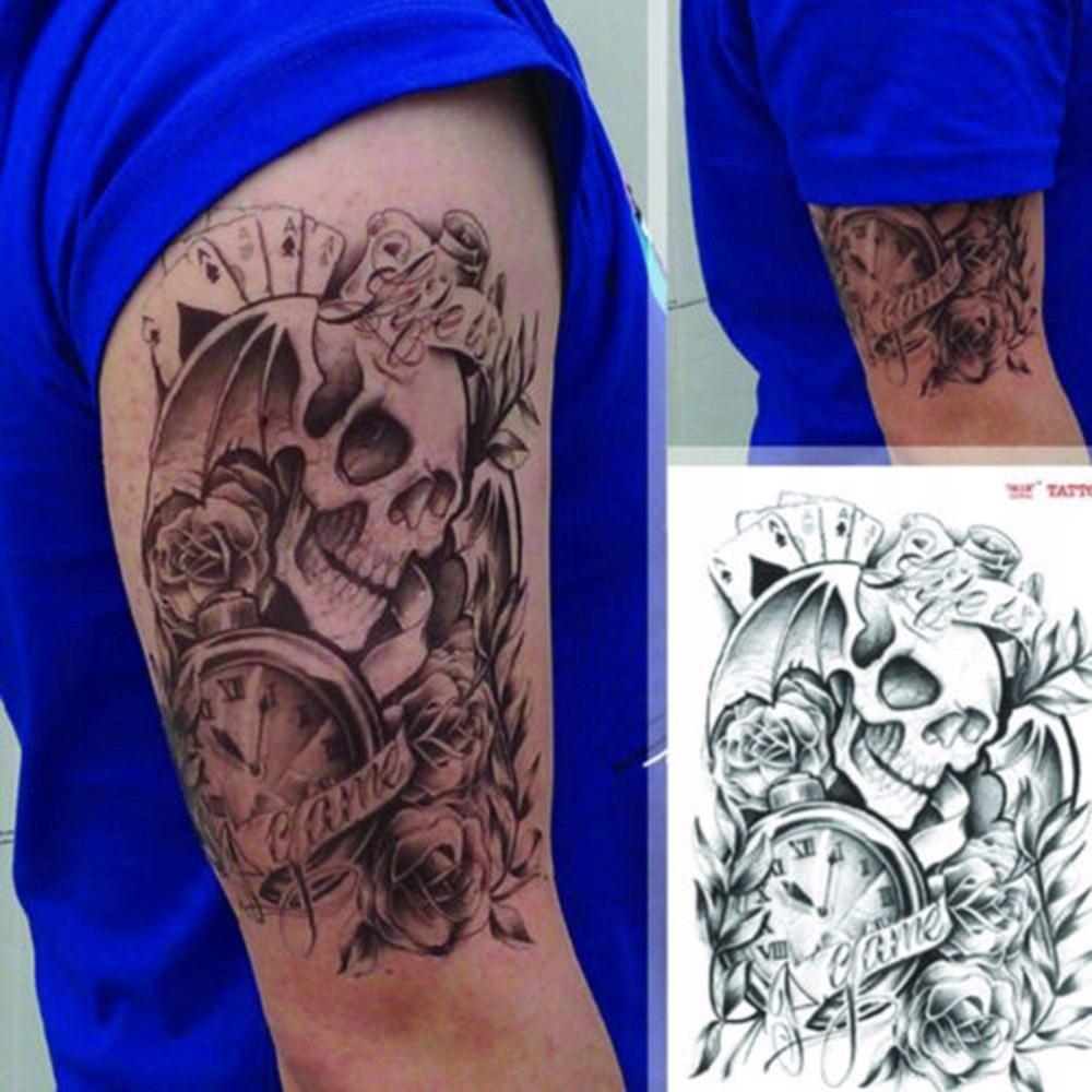 Tatuaż Duży Mroczny Czacha Z Różami Zegar Karty
