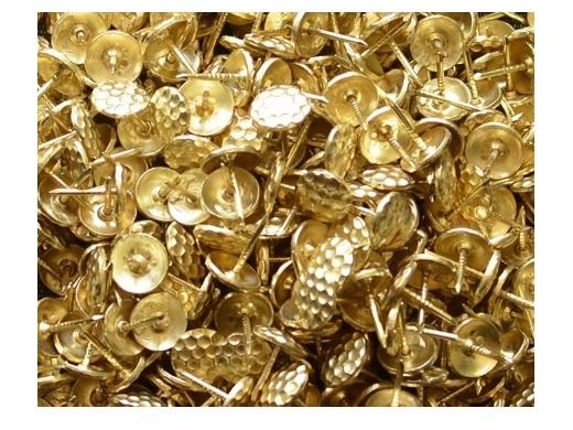 ČALÚNENÉ KOSTLE 1000 DEKORATÍVNYCH PINEADS zlato!
