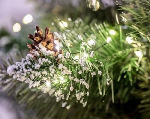 UMELÝ VIANOČNÝ STROM NA KMENI DIAMANTOVÝ PINEŇ 180 CM Typ umelého vianočného stromčeka