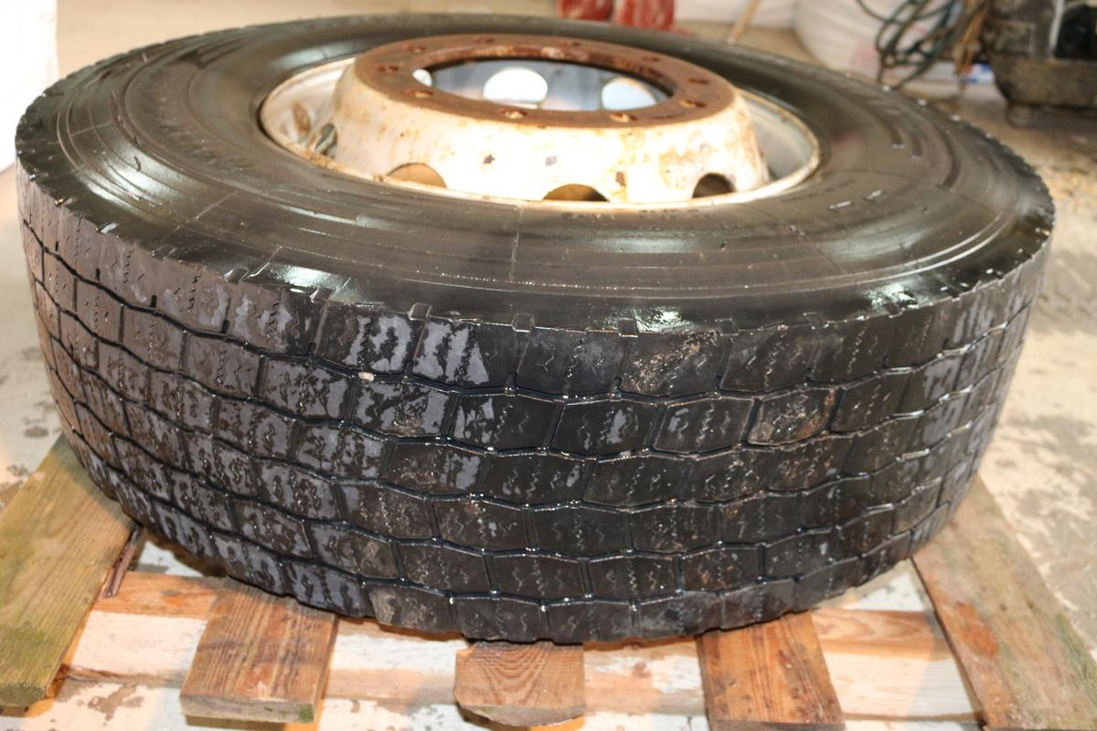 Geyer E Hossaja 315/80 R22,5 pneumatiky pneumatiky