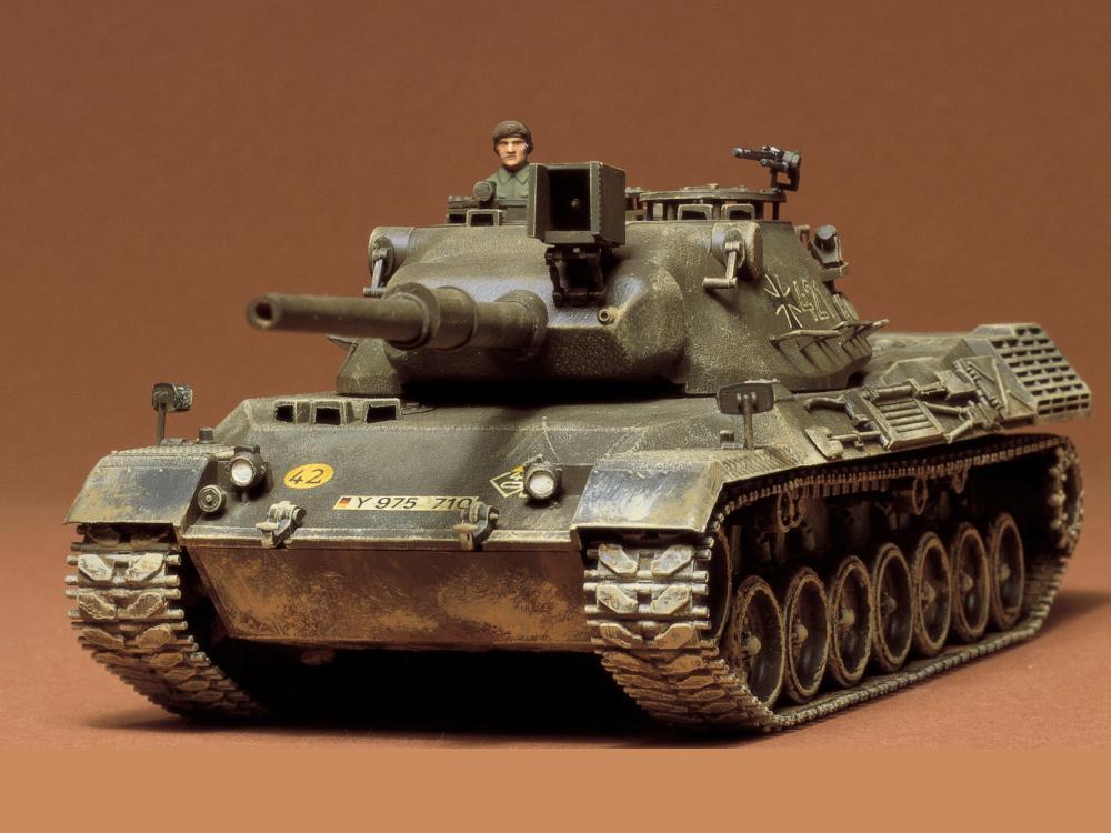 Czołg niemiecki Leopard model 35064 Tamiya