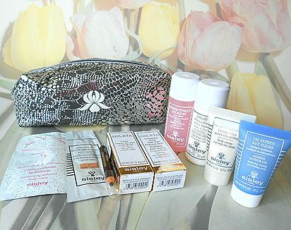 Sisley - elegancka kosmetyczka z zawartoscia