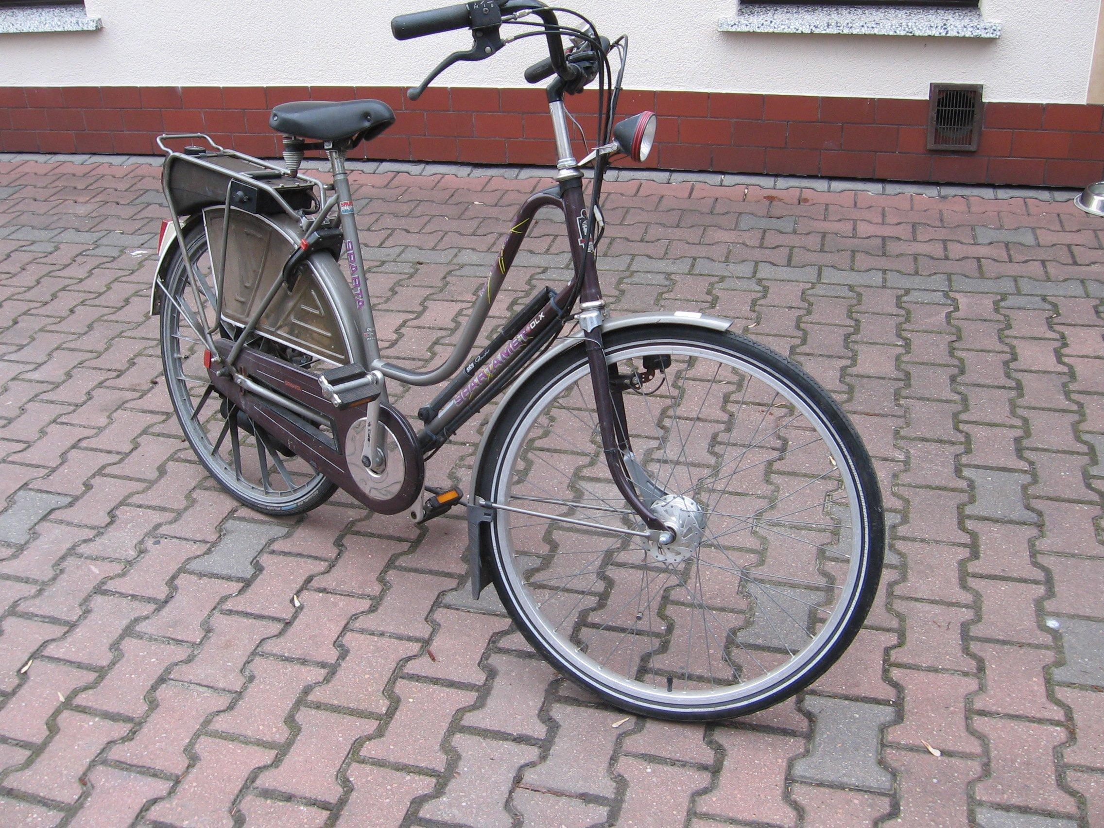 Rower z silnikiem spalinowym Sparta