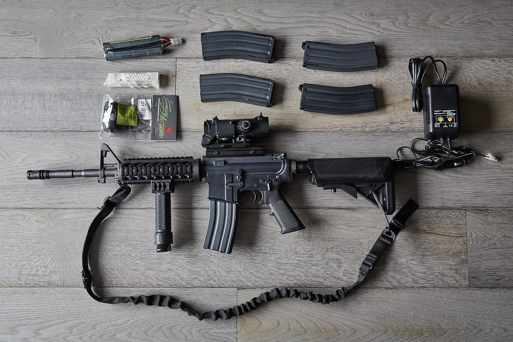 Karabin Asg - A&K M4 RIS 450fps - duży komplet