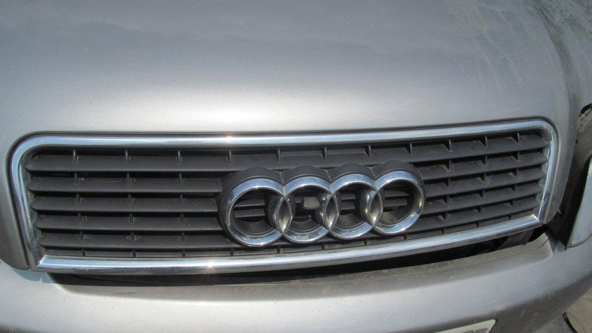 Audi A4 B6 03 Atrapa Grill 7379247462 Oficjalne Archiwum Allegro