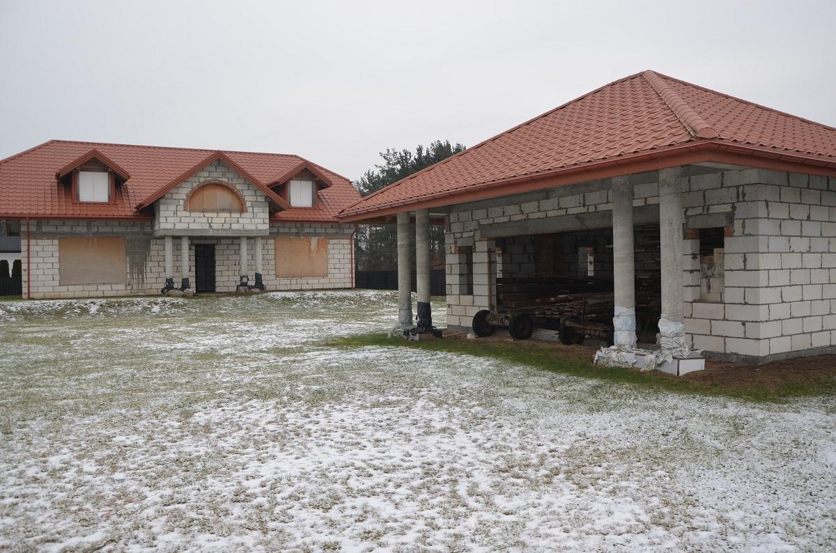 Dom tanio sprzedam 250 m, garaż wolnostojący 50 m