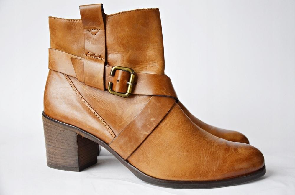 Stylowe beżowe sandały damskie Paul Green idealne na ciepłe