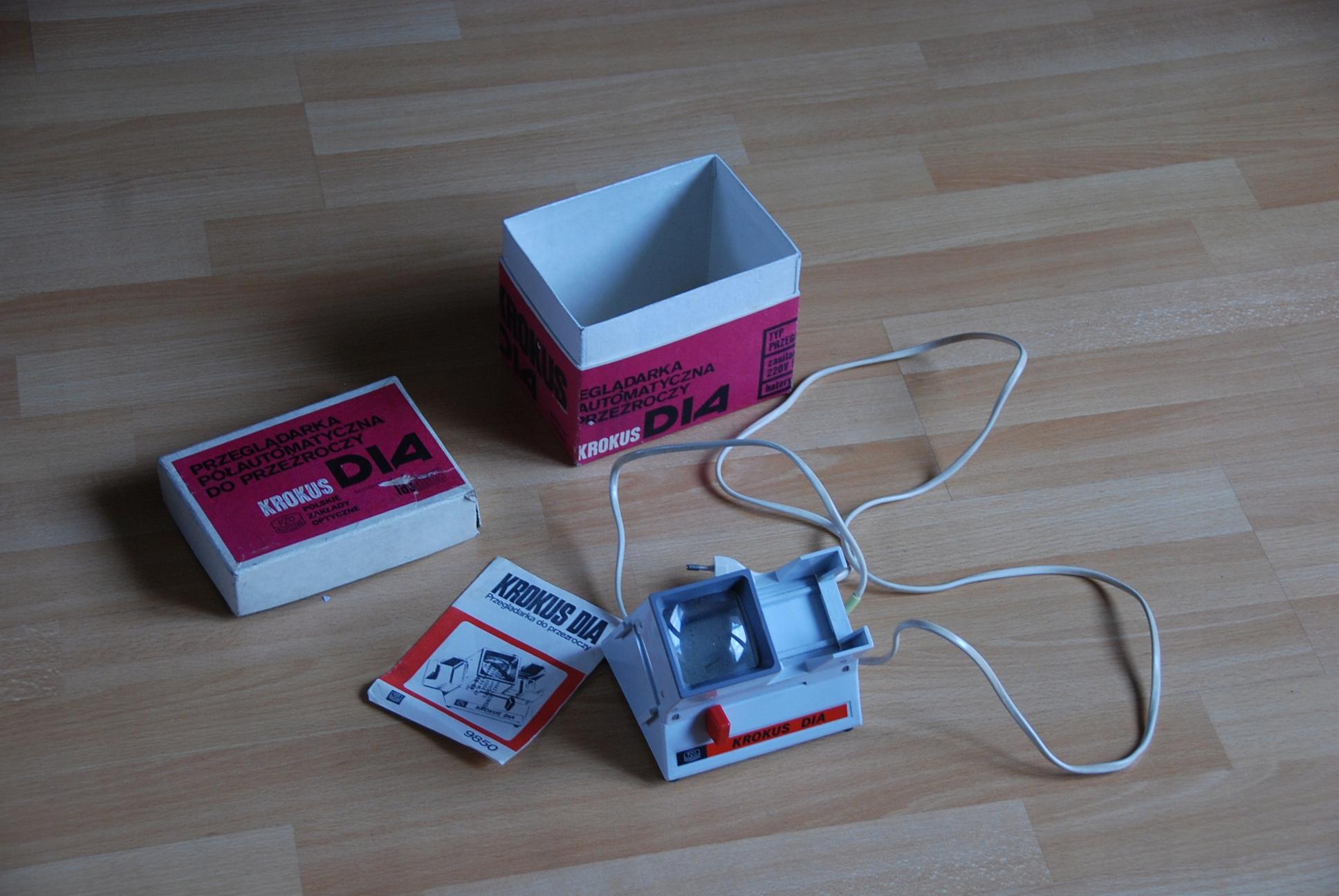 Przeglądarka półautomatyczna do przeźroczy KROKUS