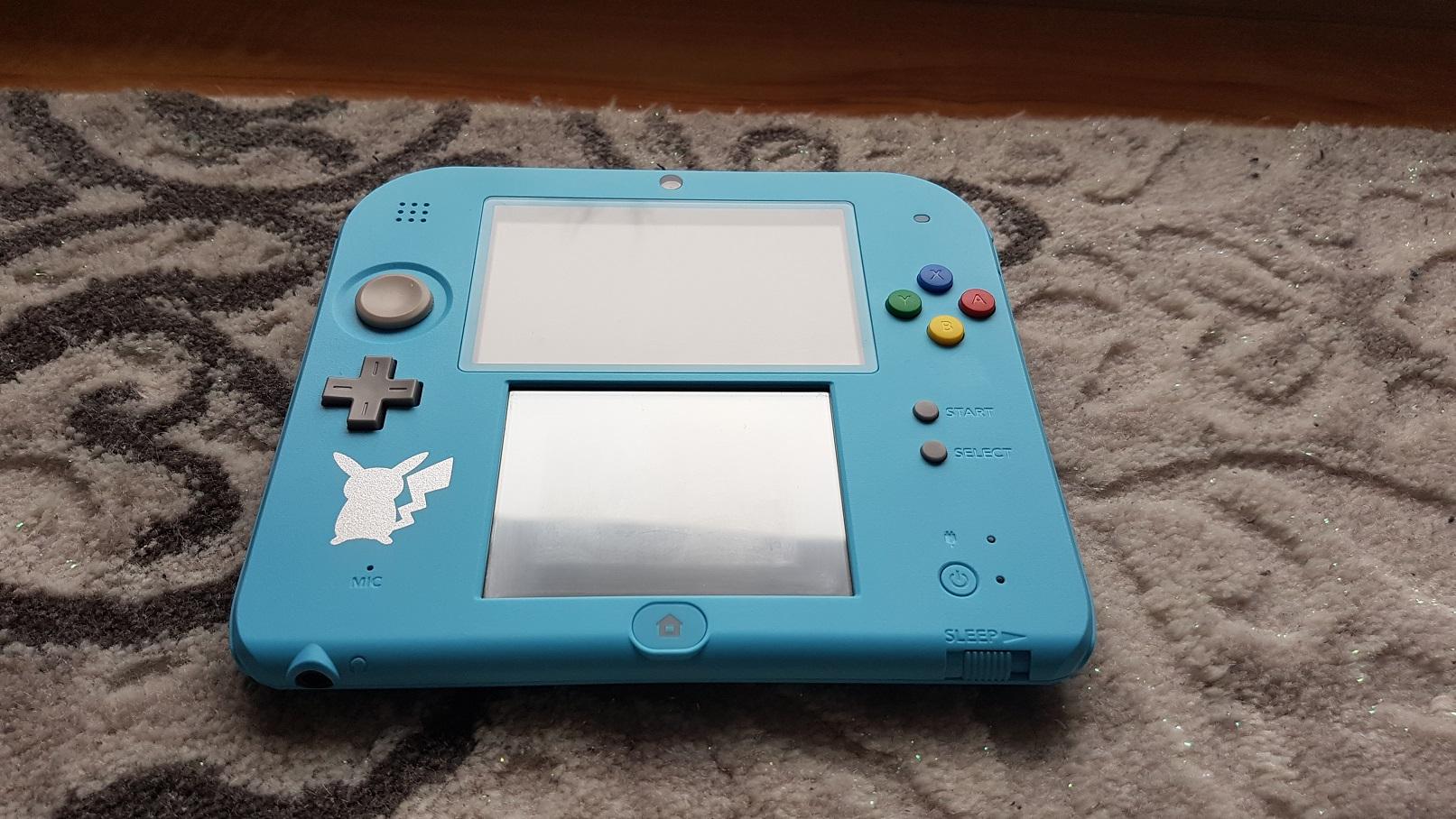 Nintendo 2DS + Pokemon Moon + pokebank + pokrowiec