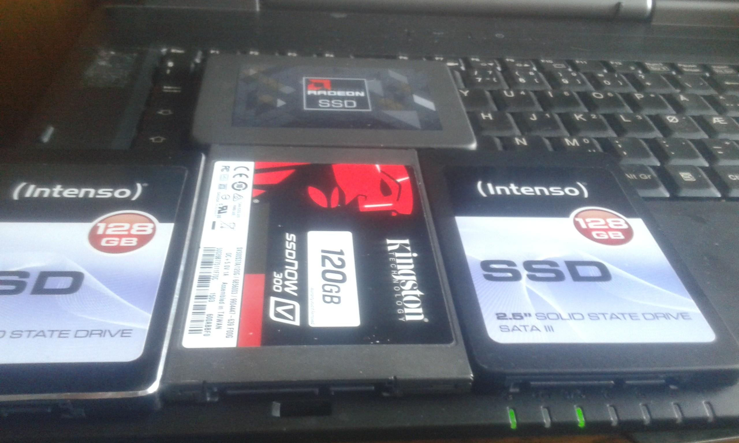 4 DYSKI SSD USZKODZONE 120 GB