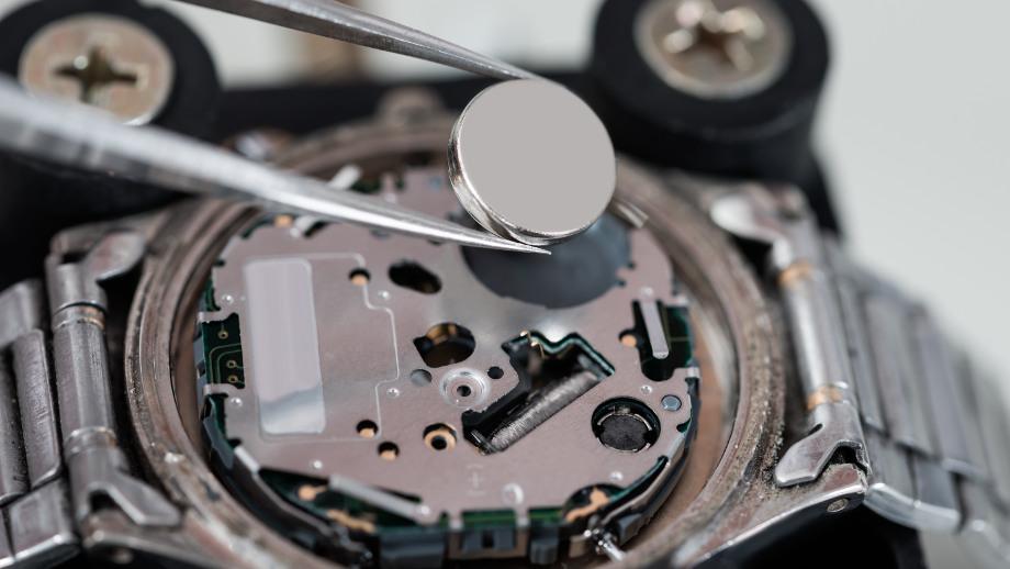 Jak wybrać baterie do zegarka?