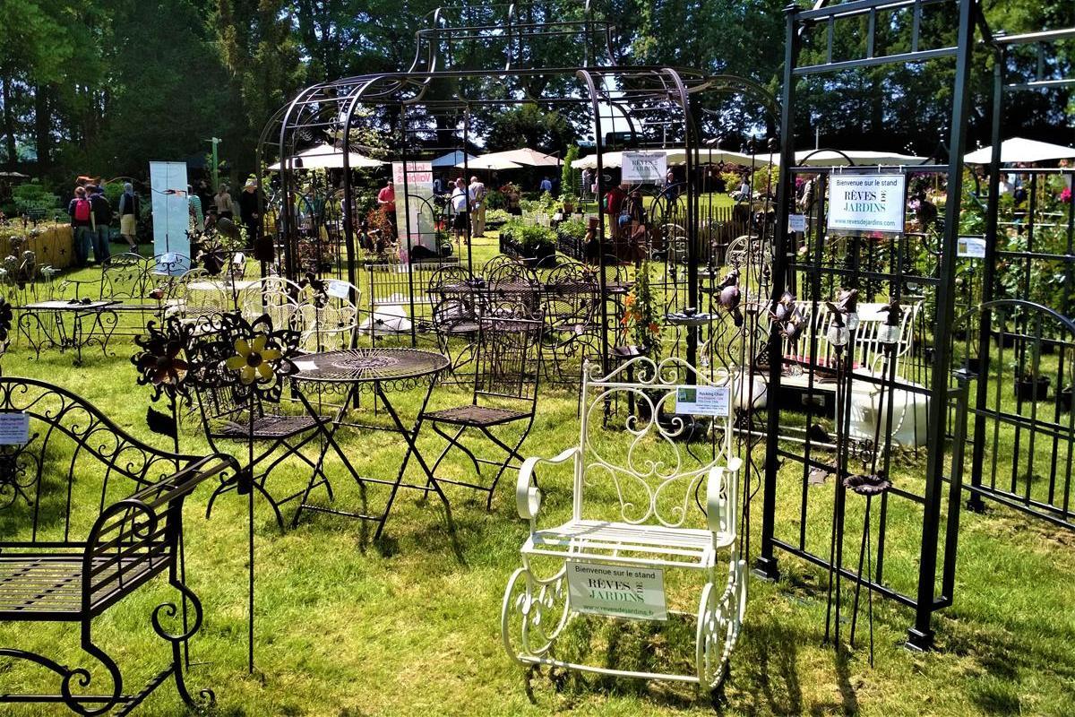 Kovové prvky záhradnej architektúry