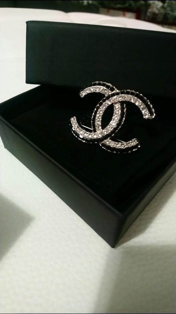 Broszka Chanel Oryginał Paragon 7752911975 Oficjalne Archiwum Allegro