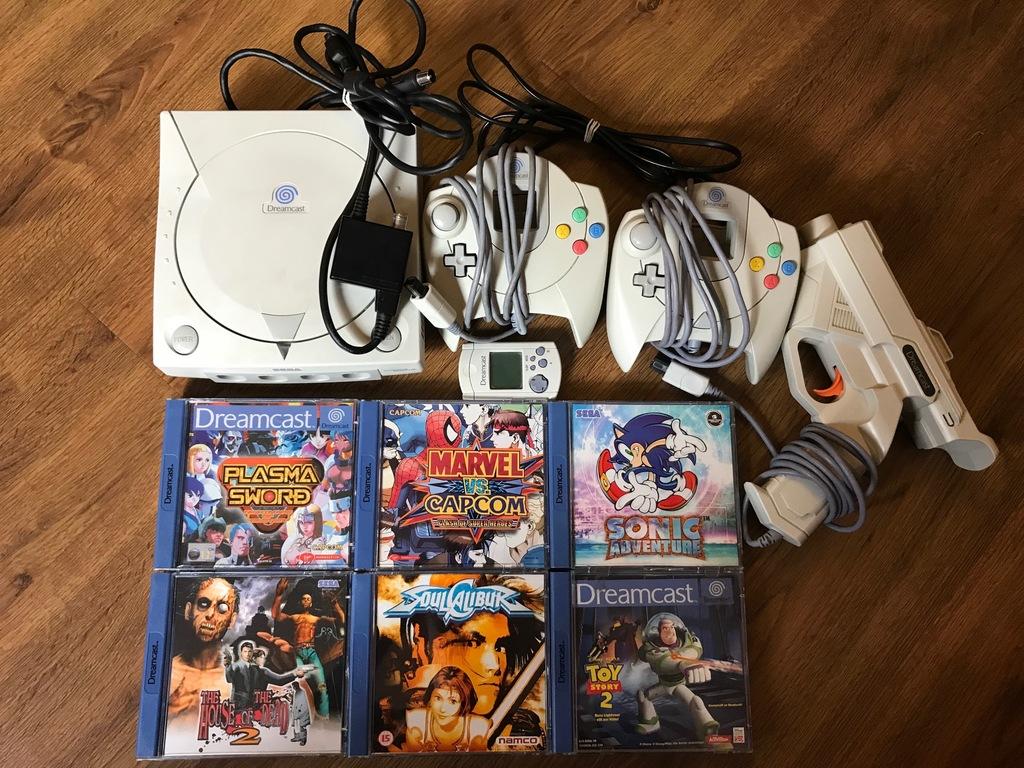 Dreamcast + 2x pad + pistolet + 6 gier + VMU