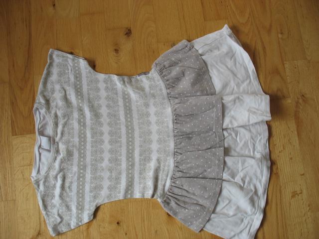 Sukienka biało-szara Coccodrillo 128 cm