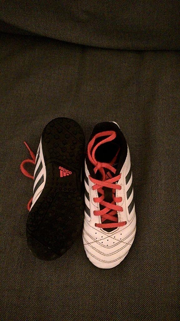 Adidas 30,5 korki halówki
