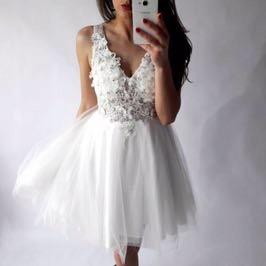 Biała sukienka rozkloszowana tiul koronka