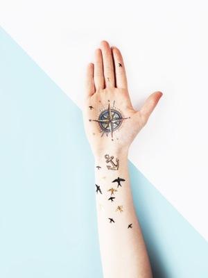 Tatuaż Strzałka Symbol Kierunek Północy świata 77 7246408781