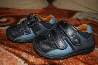 Cudne buciki,,CLARKS FIRST SHOES,, rozmiar UK 4