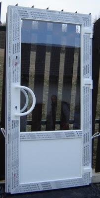 двери ПВХ Застеклен 2 замки SBB25 - магазин, Офис