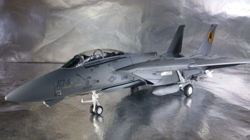 82TSMWTP002 Tom Cat F-14 Iceman i Slider 1:72