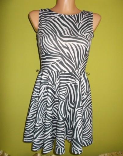 Sukienka rozkloszowana biało czarna MISO ( 36 / 38