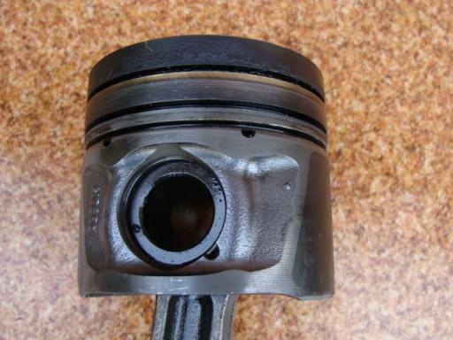 LAND ROVER DISCOVERY 3 III 2007M 2,7TD V6 STUMOKLIS